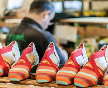 Fabrication d'espadrilles catalanes